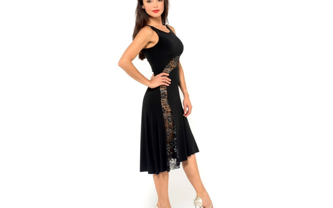New in: the S tango dress! Elegant and feminine!