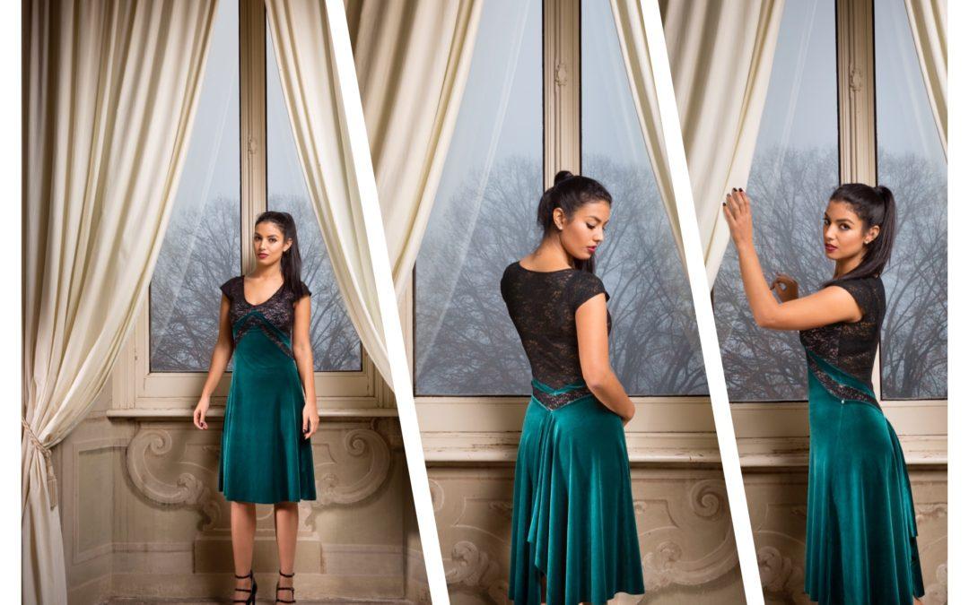 Our Bestselling V dress now avialable in VELVET!